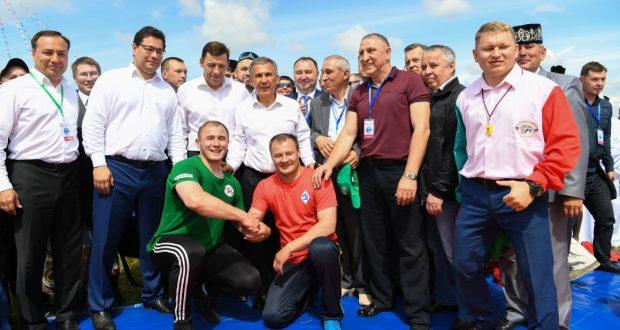 Рустам Минниханов: Сабантуй — это повод встретиться с друзьями