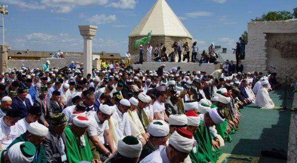 Рустам Минниханов создал оргкомитет по подготовке и проведению празднования «Изге Болгар жыены»