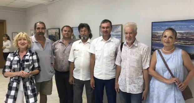 Художники с берегов Невы выставили свои работы в Зеленодольске