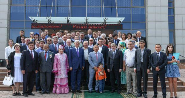 Рустам Минниханов встретился с представителями татарского этно-культурного центра Алматинской области