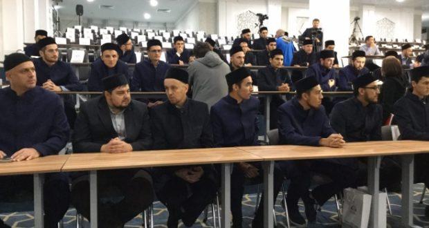 Болгар ислам академиясенең беренче укучылары студент билетларын алды