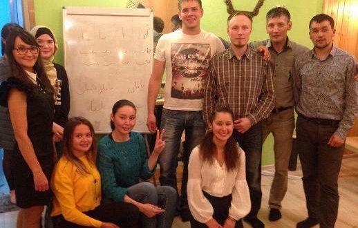 Екатеринбург шәһәре «Туган тел» клубына йөрүче татар яшьләре иске имляны өйрәнде