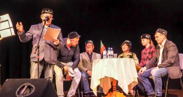 Польские татары слушают стихи Тукая, Мусы Джалиля и Фатыха Карима