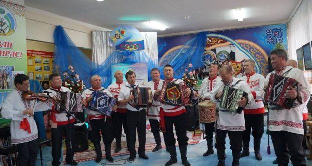 В Урмаево прошел конкурс «Уйнагыз гармуннар!»