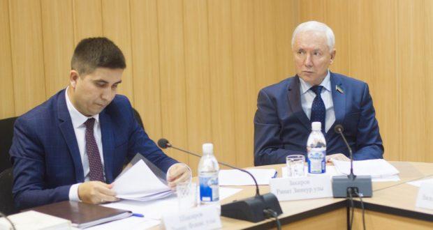 Данис Шакиров: 2017 елда 30 татар иҗтимагый оешмалары грантлар алды