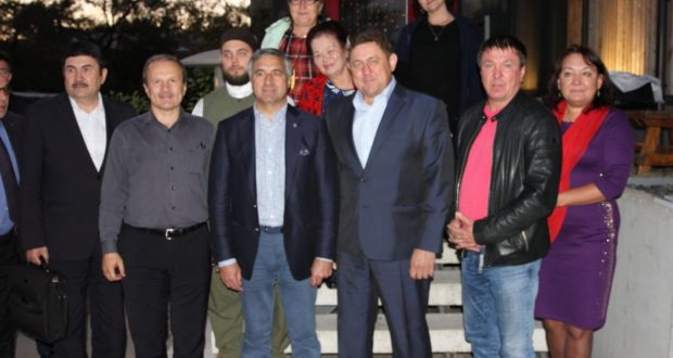 Василь Шайхразиев встретился с руководителями татарских общественных организаций Дальневосточного федерального округа
