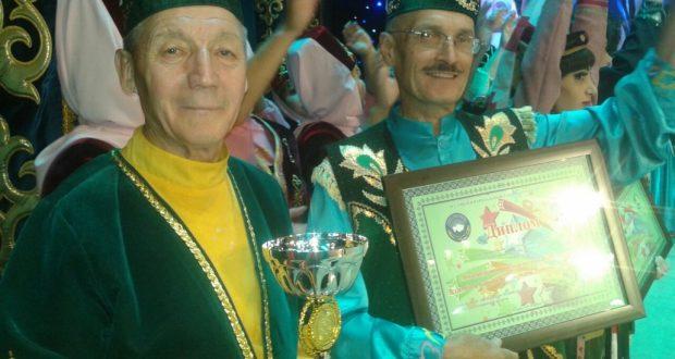 Ансамбль «Язгы моңнар» стал лауреатом фестиваля «Границы не разделяют сердца друзей»