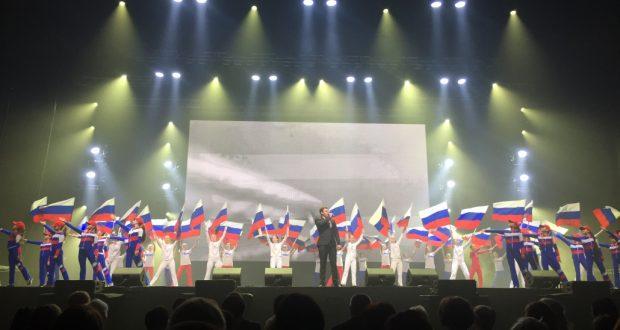 Ансамбль фольклорной музыки А. Файзрахманова выступил в самом большом концертном зале Санкт-Петербурга