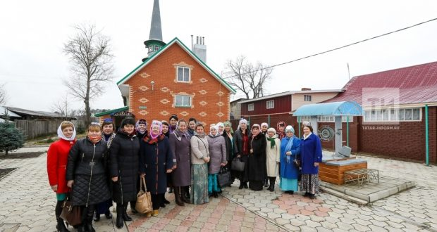 Кадрия Идрисова: Татар хатын-кызлары мәчетләр белән тыгыз эшләргә тиеш