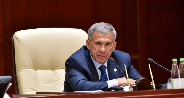 "Rustam Minnikhanov: ""We are waiting for a new federal standard, according to which the state language of the republic will be taught two hours a week"""