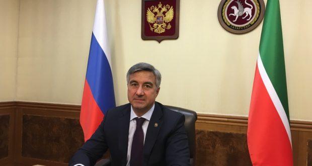Председатель  Национального Совета ВКТ Василь Шайхразиев