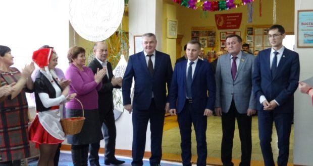 В селе Урмаево Комсомольского района состоялось торжественное открытие кинозала «Урмай»