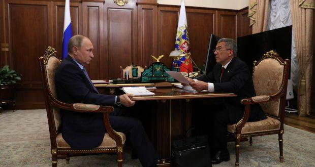 Состоялась рабочая беседа Президента Российской Федерации Владимира Путина с Рустамом Миннихановым