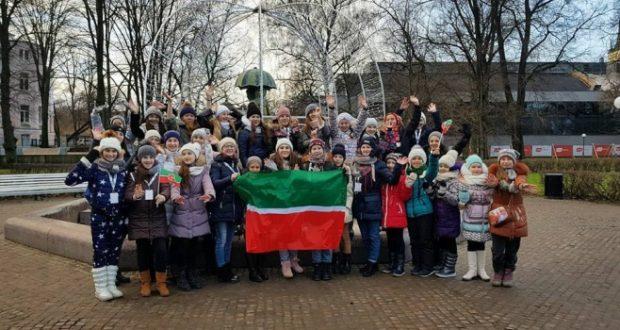 Эстониядә халыкара бәйгедә катнашкан татарстанлыларның биюен Таллин татарлары да караган
