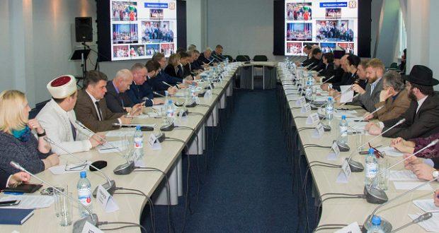 В Омской области обсудили вопрос этнокультурного воспитания