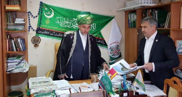 Василь Шайхразиев посетил соборную мечеть г. Челябинска