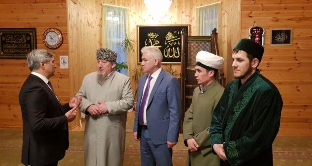 Посещение исторической мечети Новосибирска