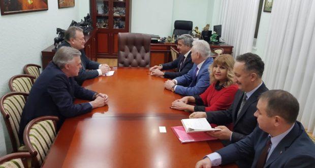 Василь Шайхразиев встретился с первым заместителем мэра Новосибирска