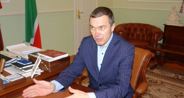 Постоянный представитель Р.Валиуллин провел встречу с Директором Дома Дружбы Ленинградской области