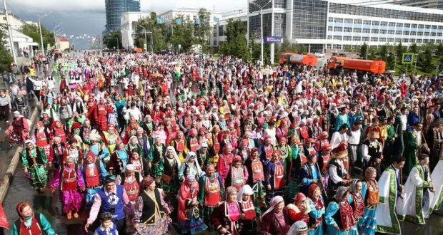 Уфада 100 халык вәкиле милли киемнәрдә марш-парадка чыгачак