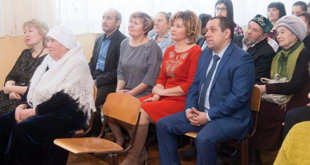 Сарман районы Җәлил бистәсендә Аяз Гыйлаҗевка багышланган форум үтте