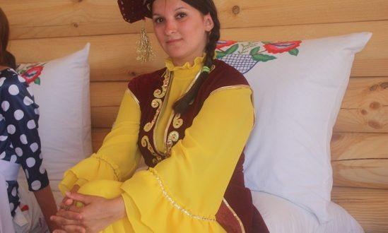 На юге Волгограда покажут татарские мотивы, выжженные по шелку