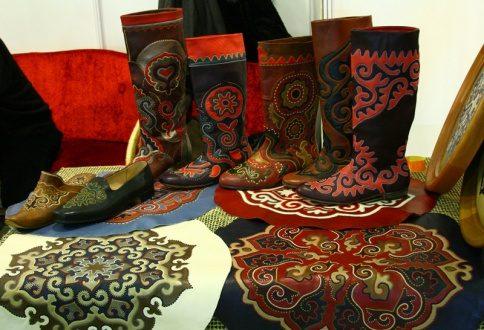 В Казани открыта выставка художницы Наили Кумысниковой