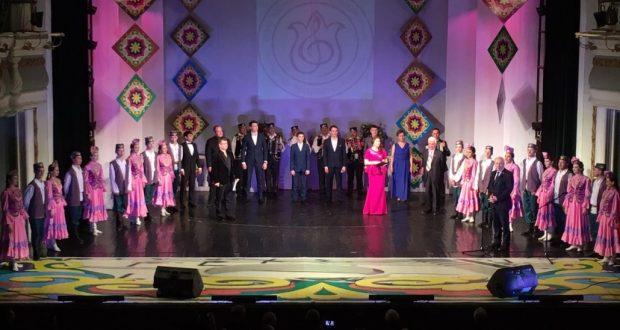 ФОТОРЕПОРТАЖ: «Туган тел» татар җырын яшь башкаручылар бәйгесенең җиңүчеләренең гала-концерты