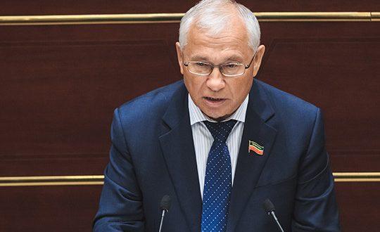 Разиль Валеев: «Мы вправе ожидать от нашего президента более деятельного участия в решении языкового вопроса»