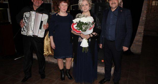 Нефтеюганск татарлары Зөхрә Шәрифуллина белән «кич утырды»
