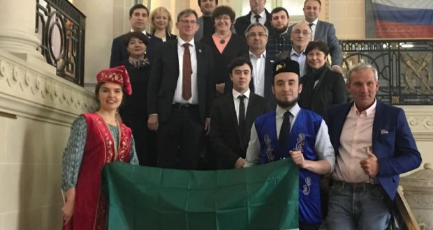 Vasil Shaykhraziev met with the Tatars of France