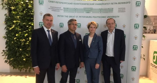 Vasil Shaihraziev delivered  a lecture on Tatarstan and Tatars at the Northern capital