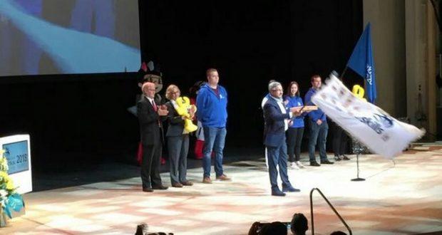 Васил Шәйхразиев WorldSkills байрагын Финляндиянең Тампере шәһәренә тапшырды