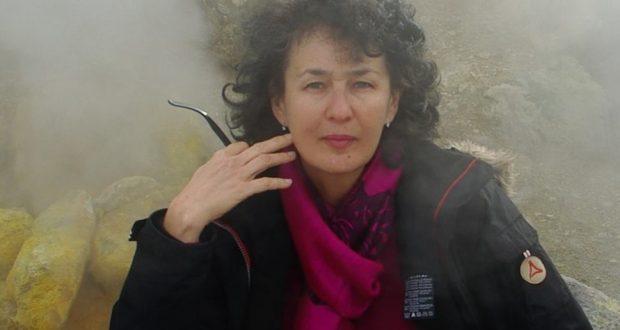 «Occitanie et Tatarie» француз-татар ассоциациясе җитәкчесе Инера  Сәфәргалиева  конгресска килде