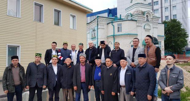 Казанское отделение ВКТ отметило День России ифтаром в медресе