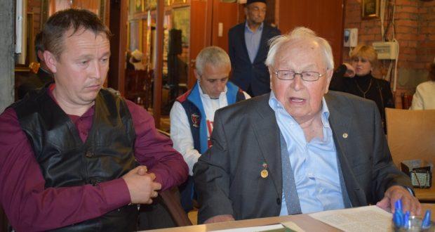 98-летний академик Агдас Бурганов посетил ифтар татарской общественности Москвы