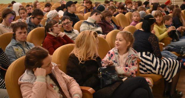Кариев театры балаларга онытылмас бәйрәм үткәрде!