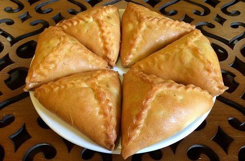 Туристы назвали татарский эчпочмак самым вкусным в России