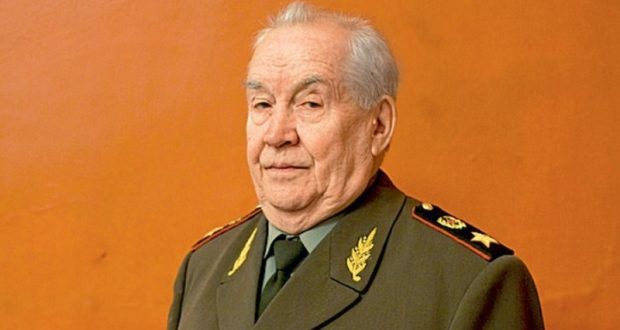 Легенда российской армии генерал Махмут Гареев отмечает 95-летие