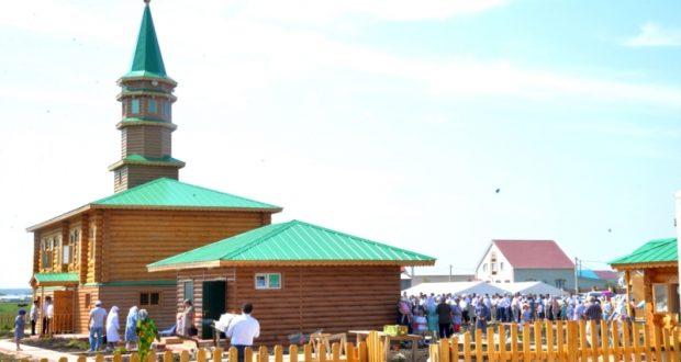 В Шыгырданах открылась новая мечеть, проведен детский Сабантуй
