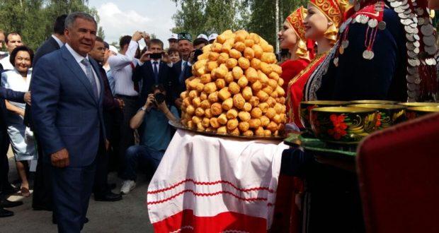 Рустам Минниханов участвует во Всероссийском сельском Сабантуе в Курганской области