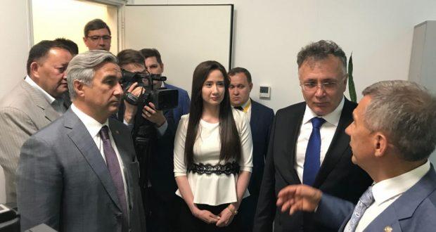 Рөстәм Миңнеханов Казахстандагы «Татарстан – Яңа гасыр» корпунктында булды
