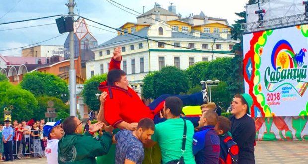 «Федераль Сабан туе-2018» батыры — Муса Галләмов, автомобиль Риназ Садаровка тапшырылды
