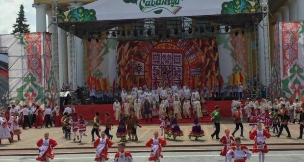 Рустам Минниханов принимает участие в XVIII Федеральном Сабантуе в Чебоксарах