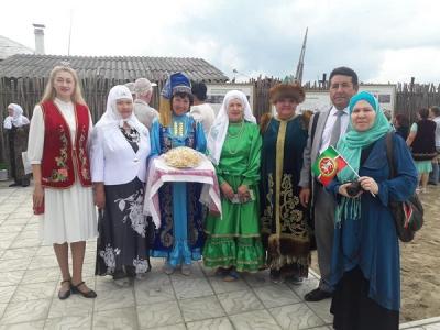 Данил Салихов себер татарларына Президент бүләген тапшырды