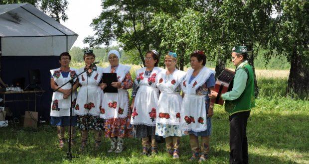 В Пермском крае «Ак калфак» провела праздник земляники