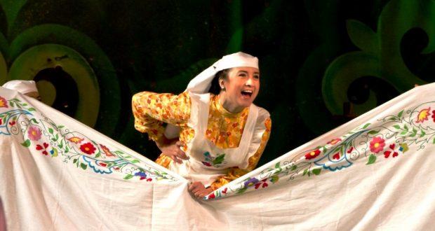 Камал театры Үзбәкстанга «Зәңгәр шәл» алып бара
