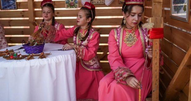 Диалоги татар о татарах: как сохраняют идентичность в регионах России и за рубежом