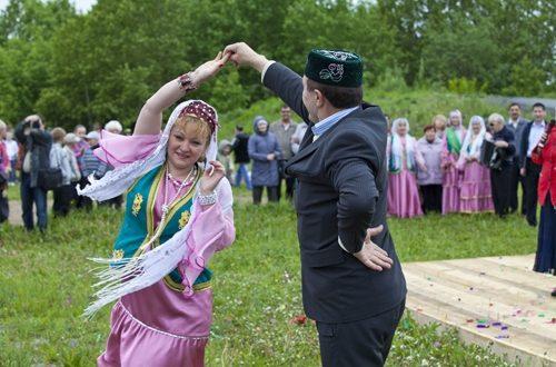В Кемеровской области проведут конкурс татарского костюма и национального подворья