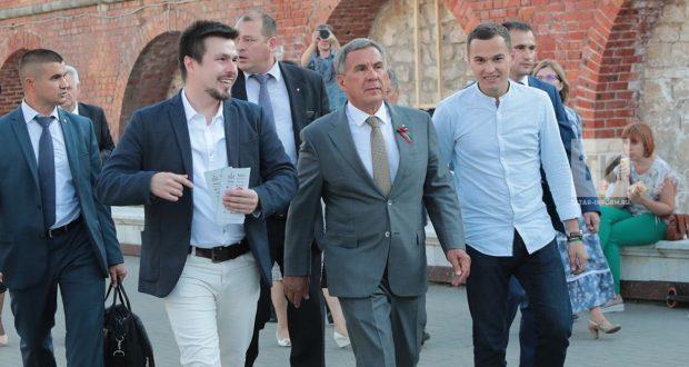 Рустам Минниханов ознакомился с локациями Tat Cult Fest в Казанском Кремле